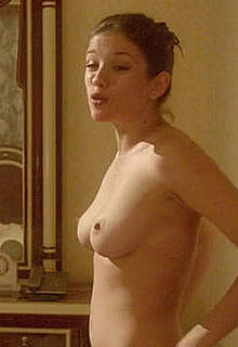 Russian Anna Chipovskaya nude in O Lyubvi