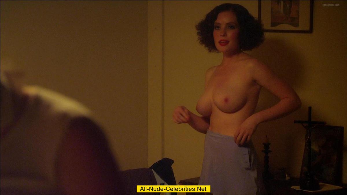 Gracie Gilbert nude in sex caps from Underbelly: www.starsmaster.com/g/gracie_gilbert_01/dsz.html
