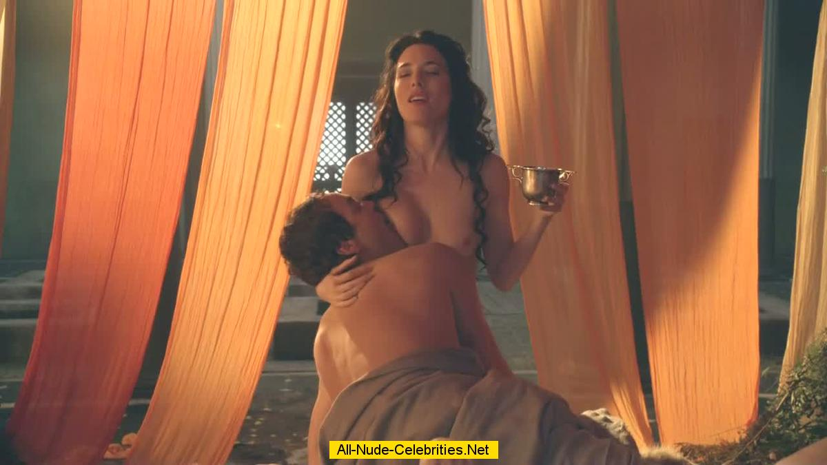 Jaime Murray fully nude in Spartacus Gold of Arena
