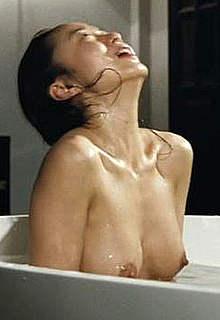 Jeon Do-yeon naked movie scenes from Hanyo
