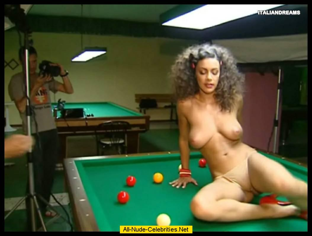 JOIN NOW AND DOWNLOAD YOUR FAVOURITE NUDE CELEBRITY MOVIES!: www.starsmaster.com/m/melita_toniolo_03/topcelebs.html