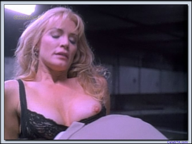 playing-shannon-tweed-completely-nude-wallpaper-gallery