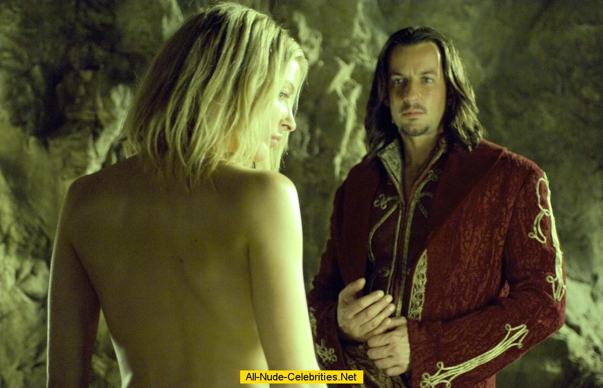 Legend Of The Seeker Nude 32